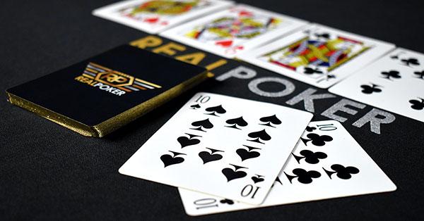 Poker vs Blackjack: Game Mana yang Lebih Baik?